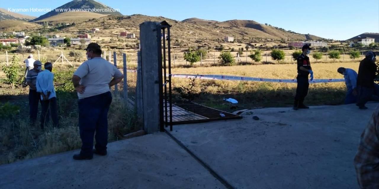 Kayseri'de Üzerine Bahçe Kapısı Düşen Çocuk Öldü