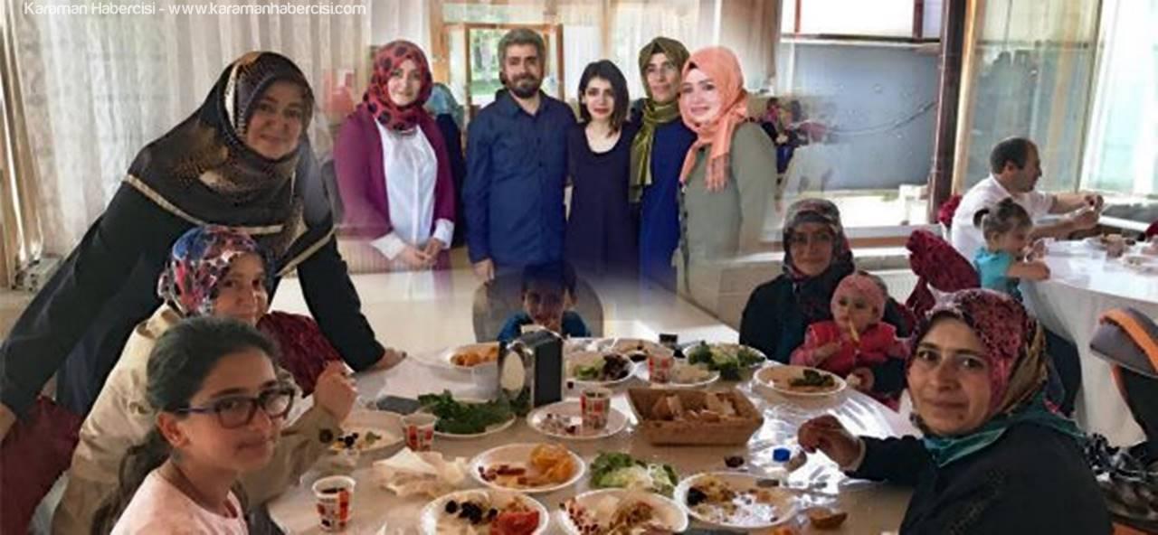 AK Parti Karaman Kadın Kollarından Anneler Günü Kahvaltısı