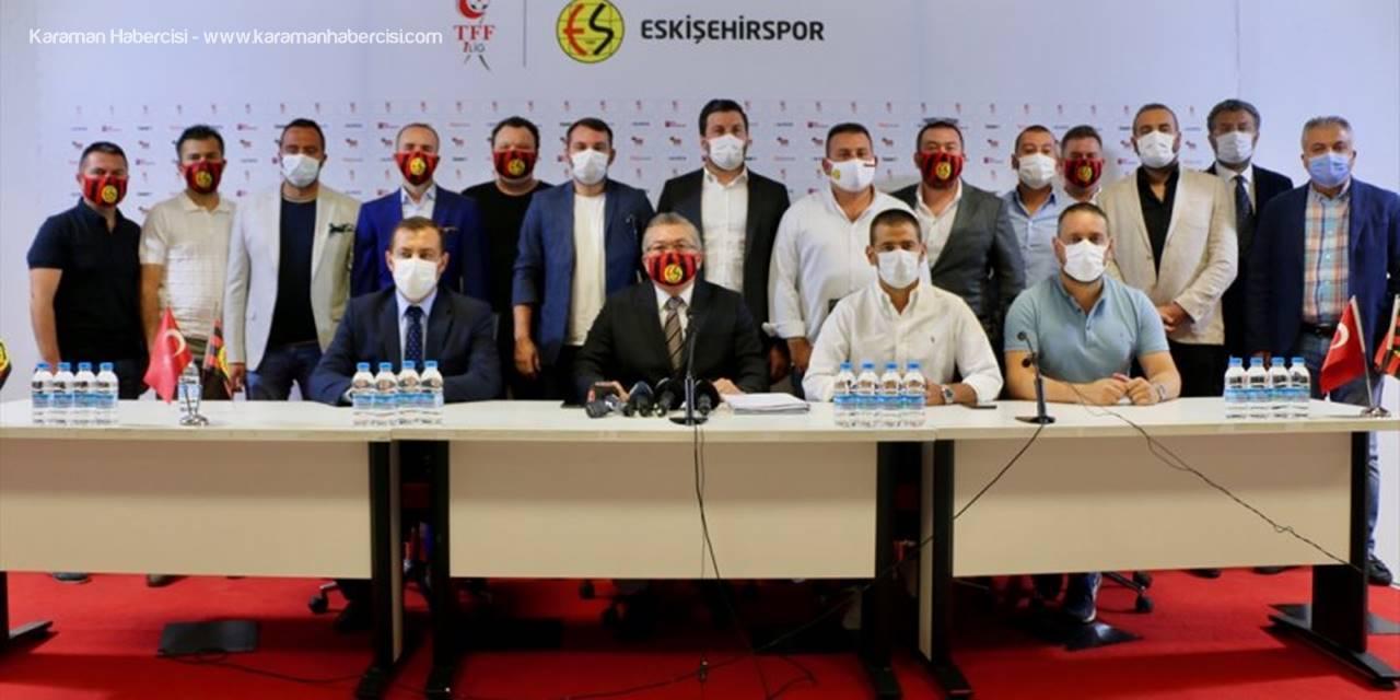 Eskişehirspor Kulübü Başkanı Mustafa Akgören, Fıfa'daki Dosyalara Çözüm Arıyor