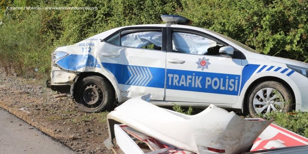 Antalya'da Polis Aracıyla Tankerin Çarpıştığı Kazada 2 Memur Yaralandı