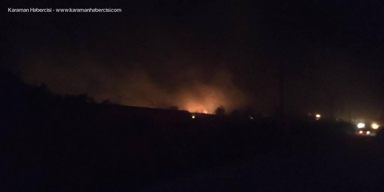 Antalya'da Otluk Alanda Çıkan Yangına Müdahale Ediliyor