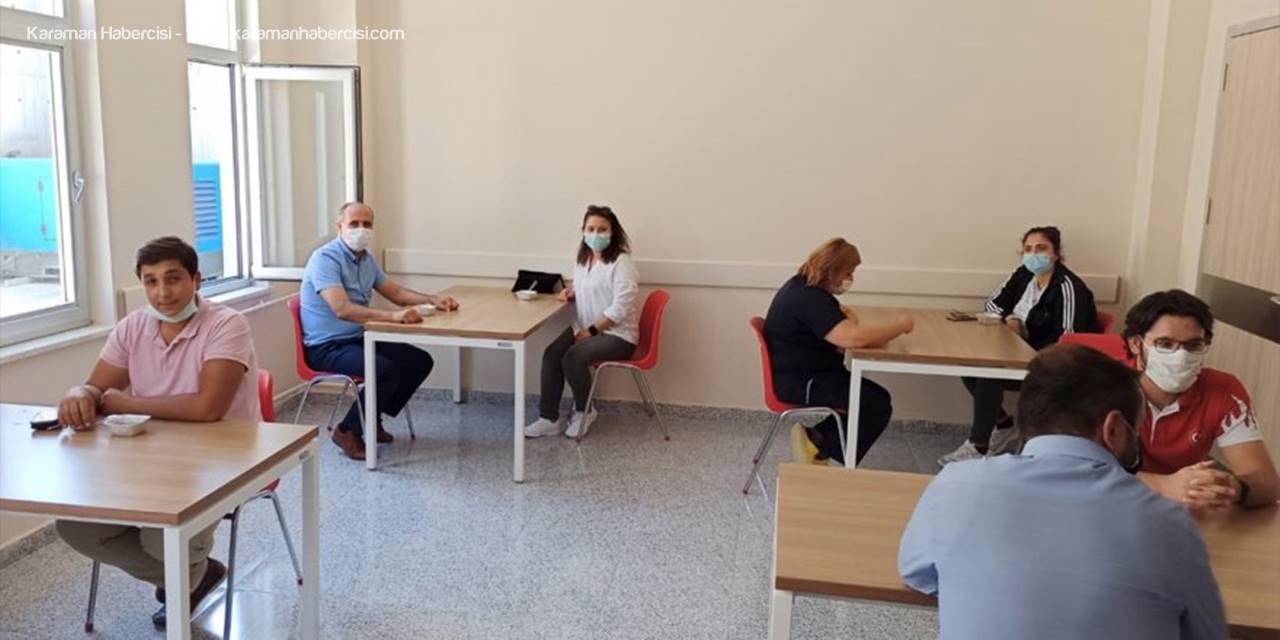 Karaman'da Sağlık Çalışanlarına Aşure İkram Edildi