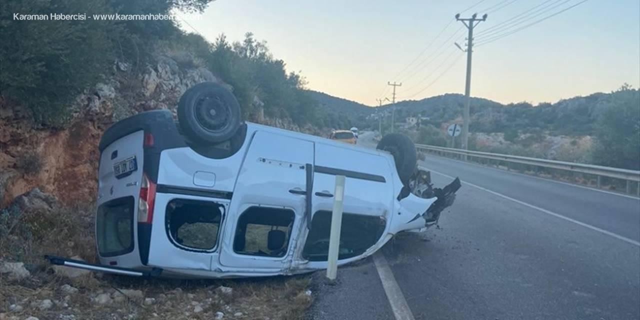 Antalya'da Şarampole Devrilen Otomobildeki Baba İle Oğlu Yaralandı