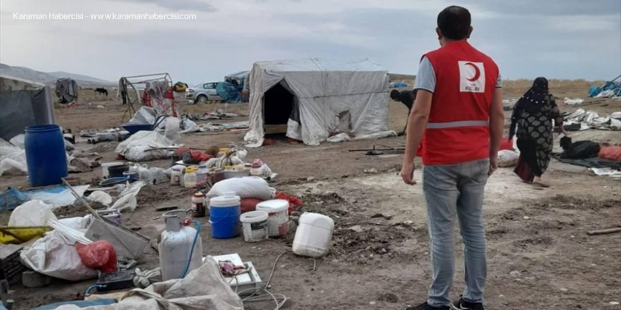 Türk Kızılay, Toz Fırtınasının Yaşandığı Polatlı'da Tarım İşçilerinin İhtiyaçlarını Karşıladı
