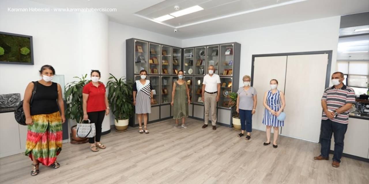 Mezitli'de Üretici Kadınlar Mevsimlik Çiçek Dikecek