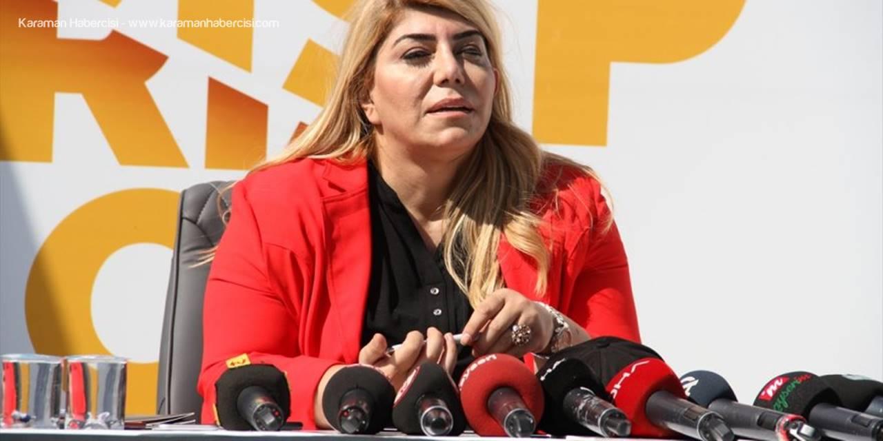 Kayserispor'da 9 Futbolcu İçin İmza Töreni Düzenlendi