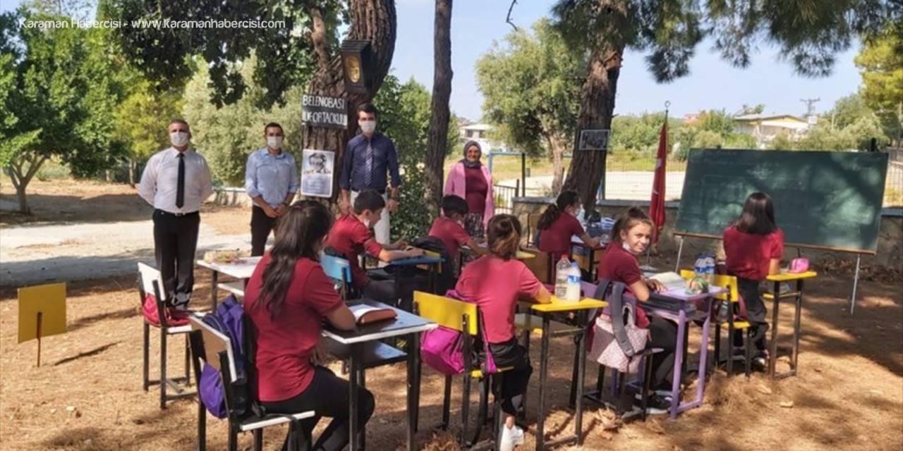 """Manavgat'ta Bir Okul """"Hababam"""" Gibi Dersleri Açık Havada Yapıyor"""