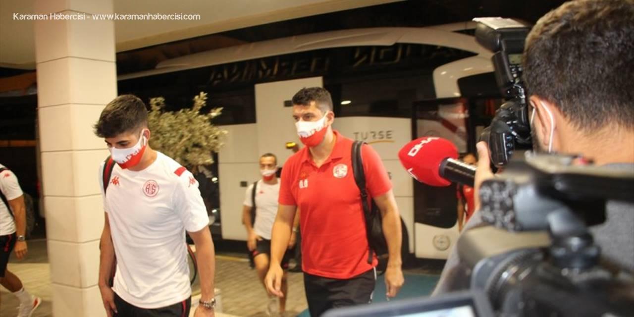 Antalyaspor, Beşiktaş Maçı İçin İstanbul'a Gitti