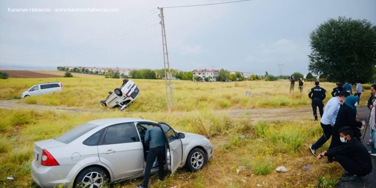 Eskişehir'de Otomobille Çarpışan Hafif Ticari Araçtaki 4 Kişiden Biri Öldü