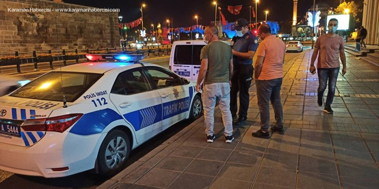 Kayseri'de Maskesiz Gezen Kişiye Para Cezası Uygulandı