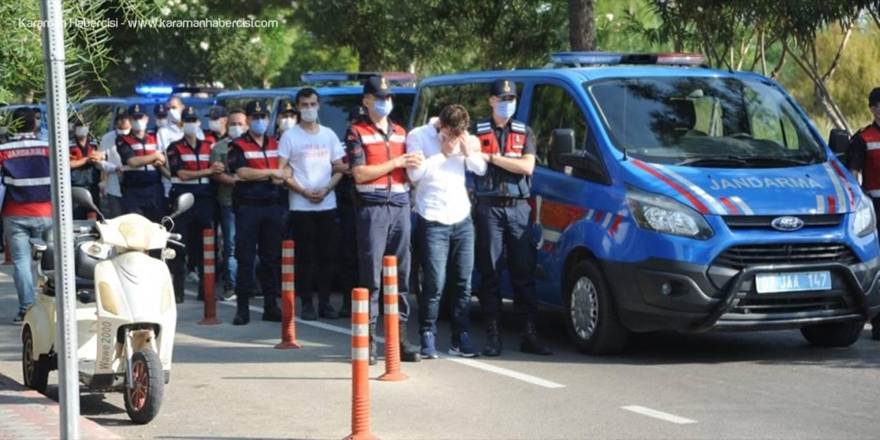 Antalya'da Sahte İnternet Sitesiyle Tatilcileri Dolandıran 15 Şüpheli Yakalandı