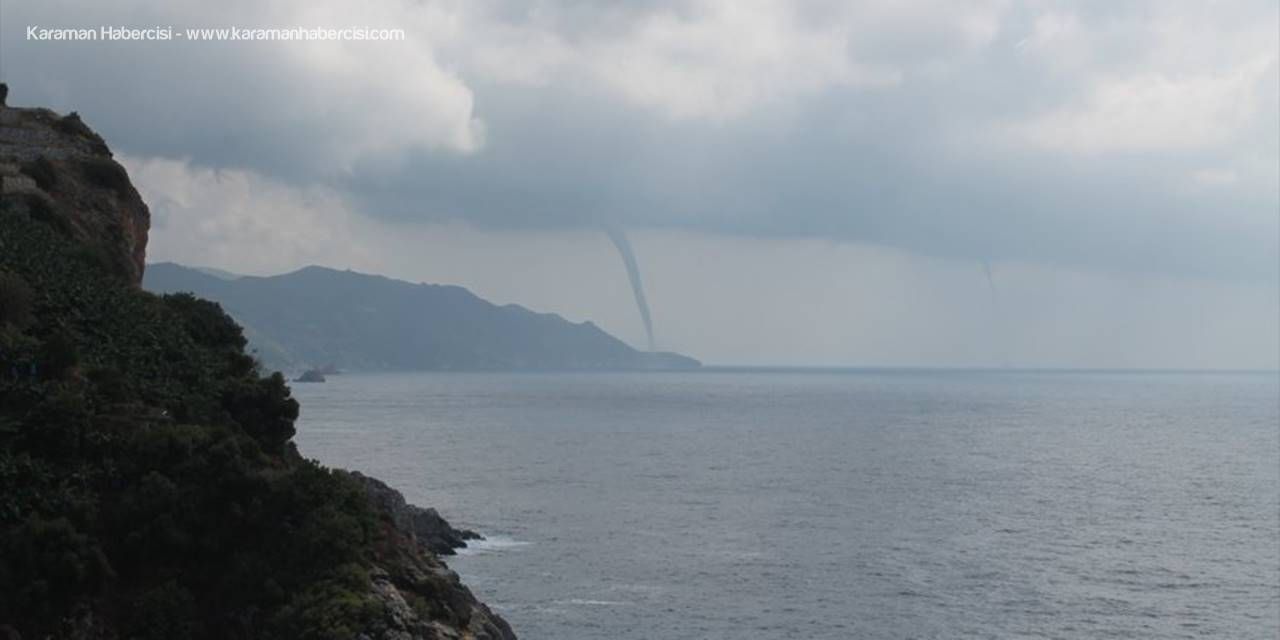 Antalya'da Denizde Hortum Oluştu