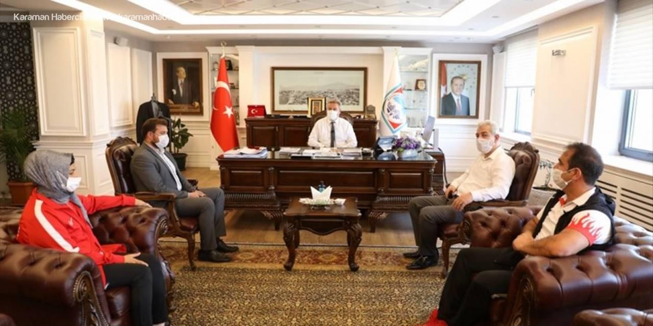 Şampiyon Tekvandocular Başkan Palancıoğlu'nu Ziyaret Etti