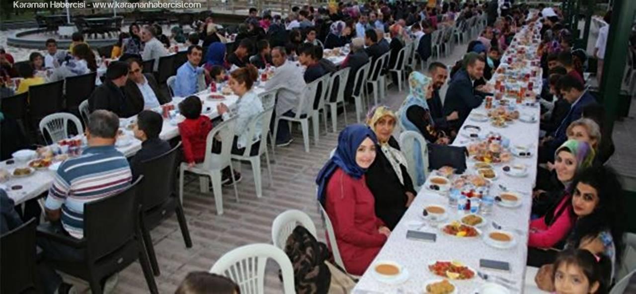 Karaman'da, Yetim ve Öksüzlerle İftar Yemeği