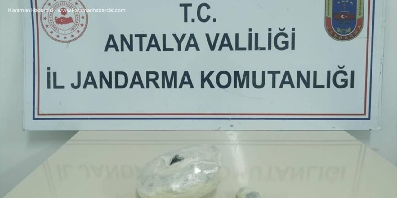 Antalya'da 1 Kilogram Esrar Ele Geçirildi