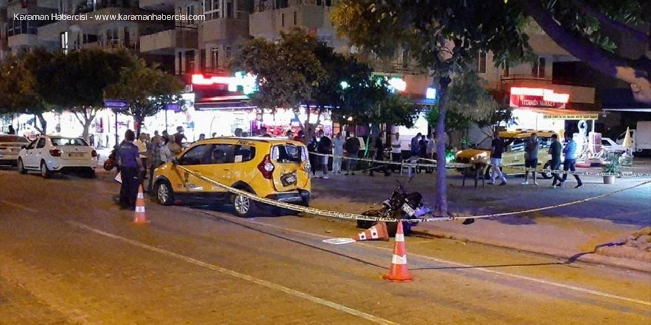Antalya'da Park Halindeki Taksiye Çarpan Motosiklet Sürücüsü Öldü