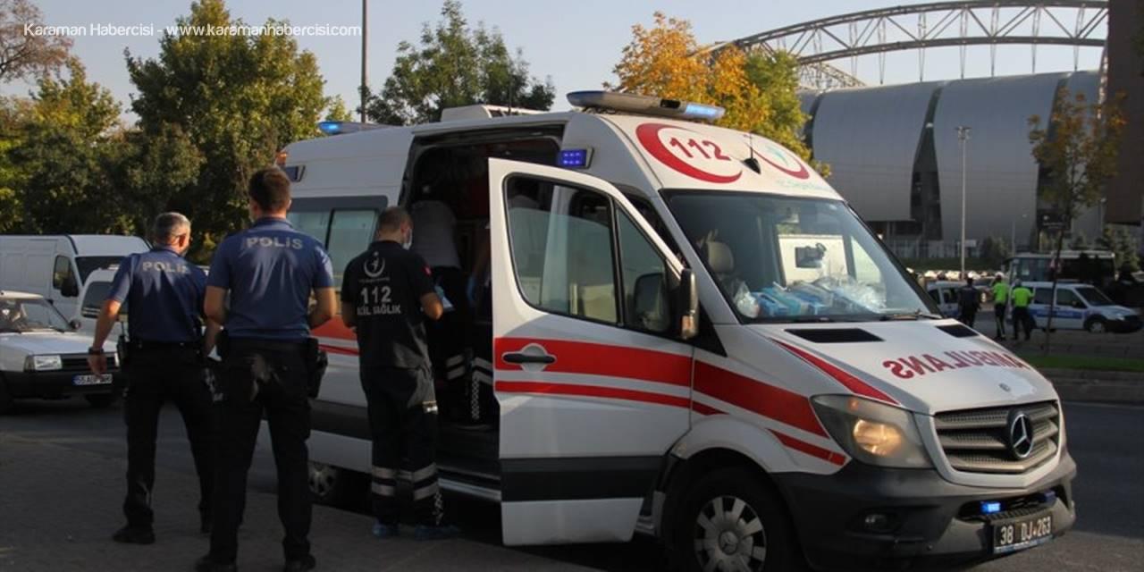 Kayseri'de Akrabasının Tüfekle Otomobiline Ateş Ettiği Kişi Cam Kesiği İle Yaralandı