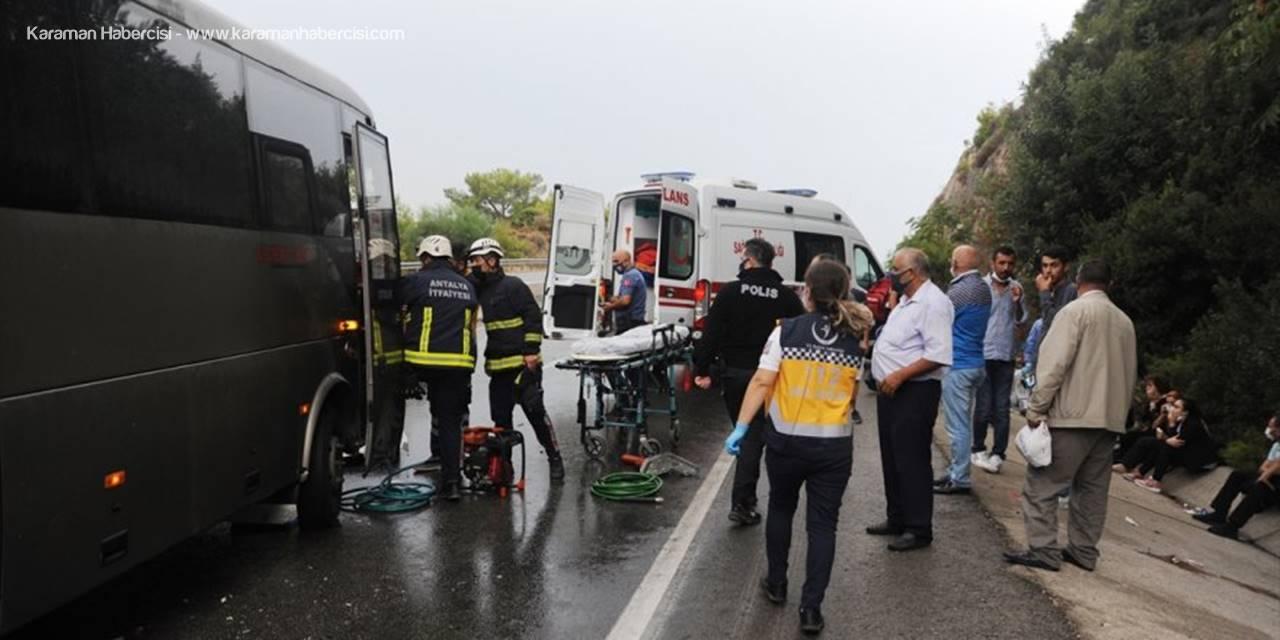 Antalya'da Zincirleme Trafik Kazası: 6 Yaralı