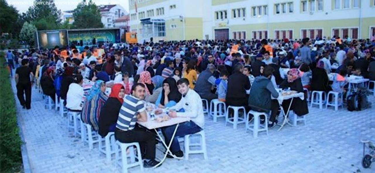 İftar Sofrası, Mehmetbey Mahallesi'nde Kuruldu