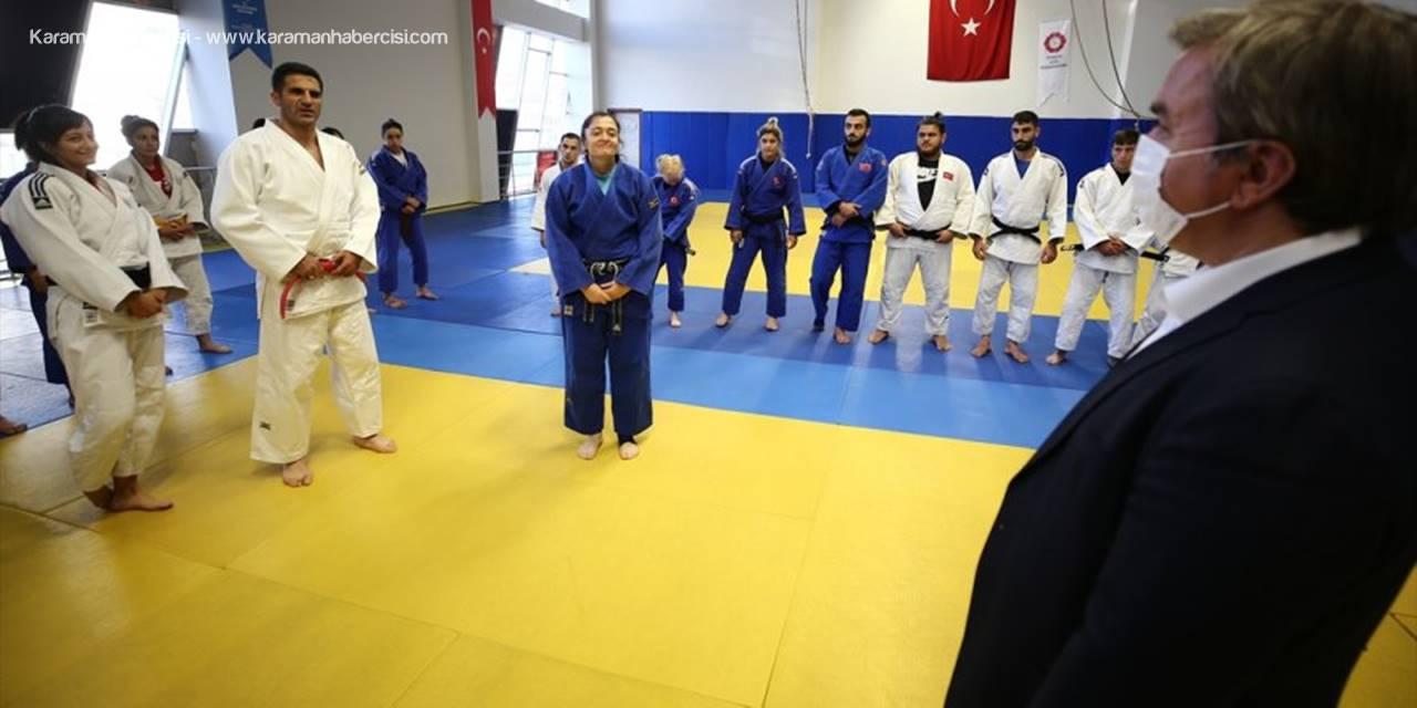 Aksaray Valisi Aydoğdu'dan Tokyo Paralimpik Oyunları'na Kota Kazanan Sporculara Ziyaret