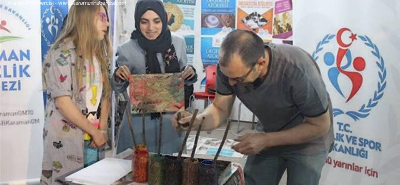 Gençlik Merkezi Standına, Karamanlılardan Yoğun İlgi
