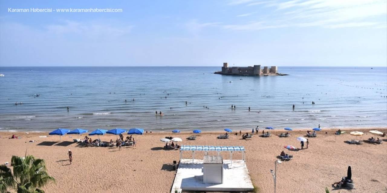 Mersin'de Vatandaşlar Güzel Havanın Tadını Denizde Çıkarıyor