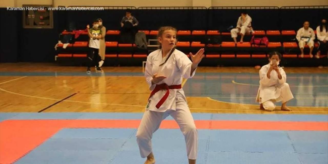 Konya'da 29 Ekim Cumhuriyet Bayramı Karate İl Şampiyonası Tamamlandı