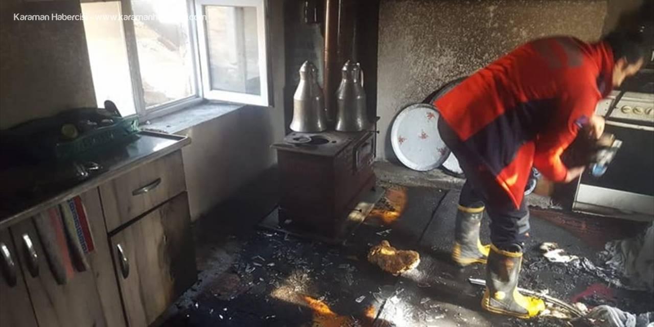 Mersin'de Bir Evde Çıkan Yangında Hasar Oluştu