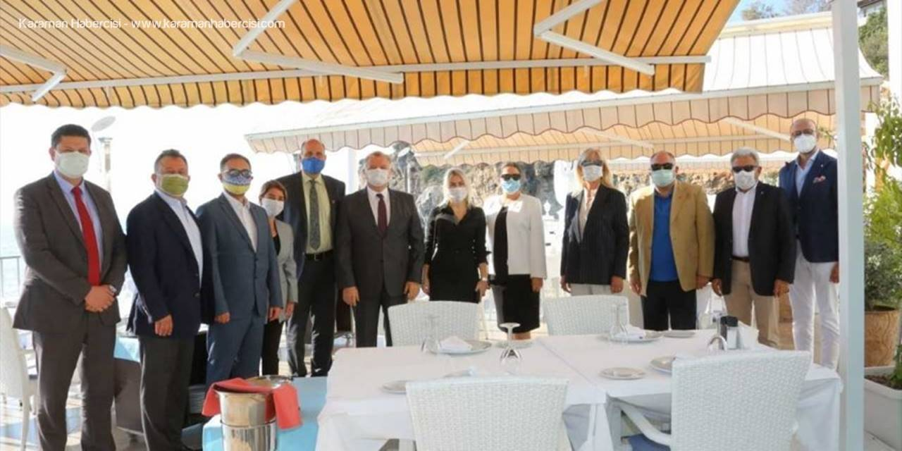 Akdeniz Üniversitesi Rektörü Özkan, Fahri Konsolonslarla Biraraya Geldi