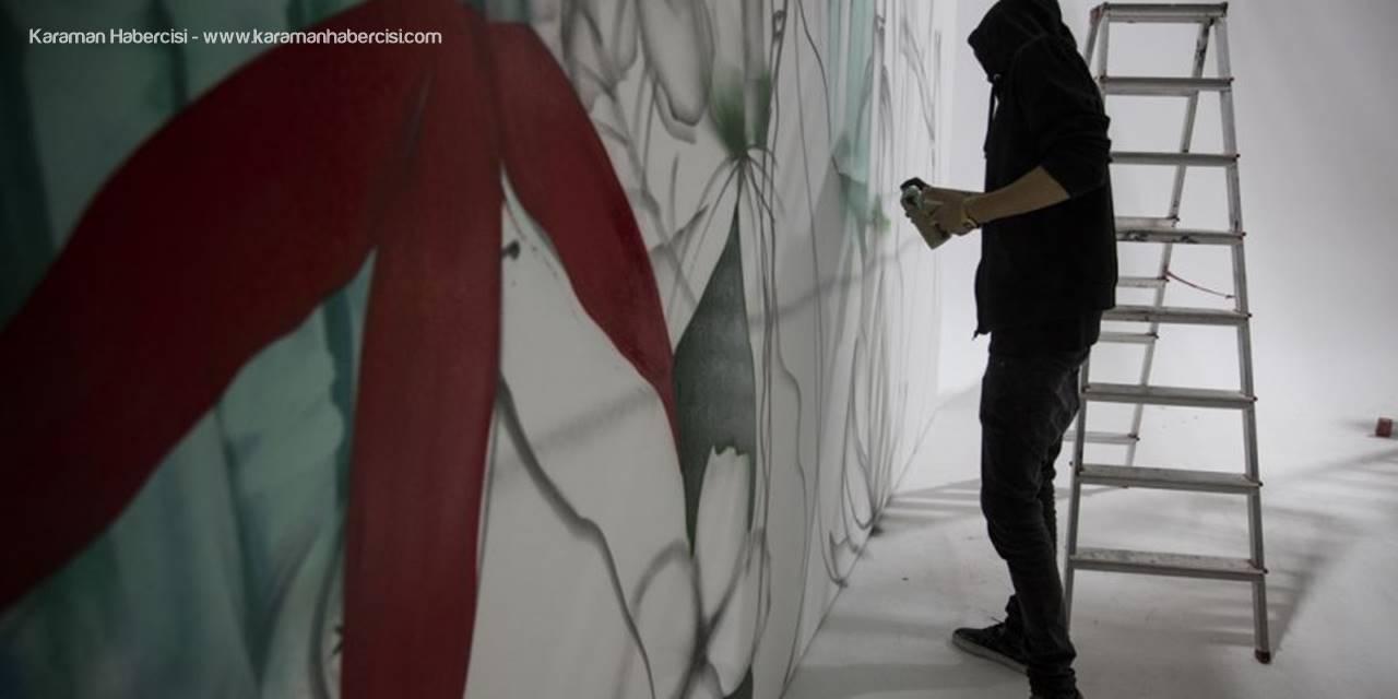 """Türkiye'nin 81 İline """"Tavşan"""" Çizen Grafiticinin Hedefi Dünyayı Boyamak"""
