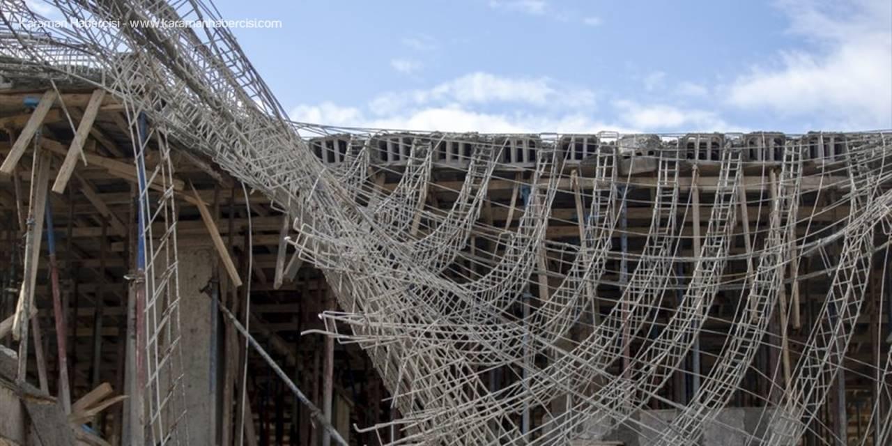 Antalya'da İnşaatta Beton Kalıbı Çöktü: 4 Yaralı
