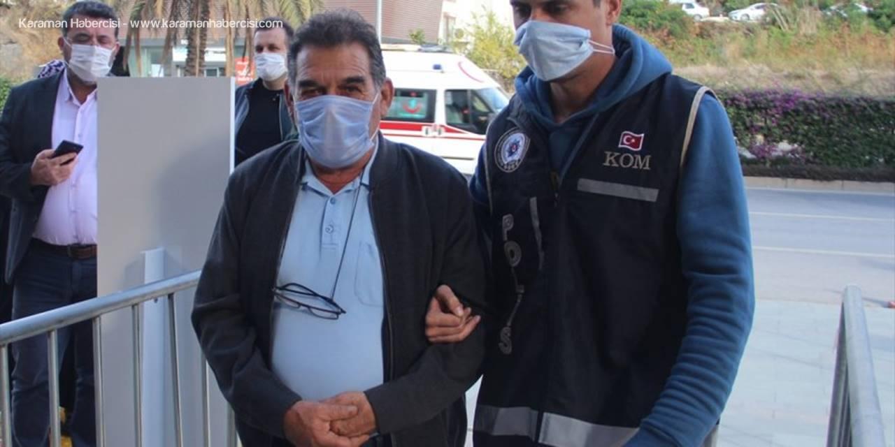 Antalya'da Gümrük Kaçağı Tütün Ve Makaron Ele Geçirildi