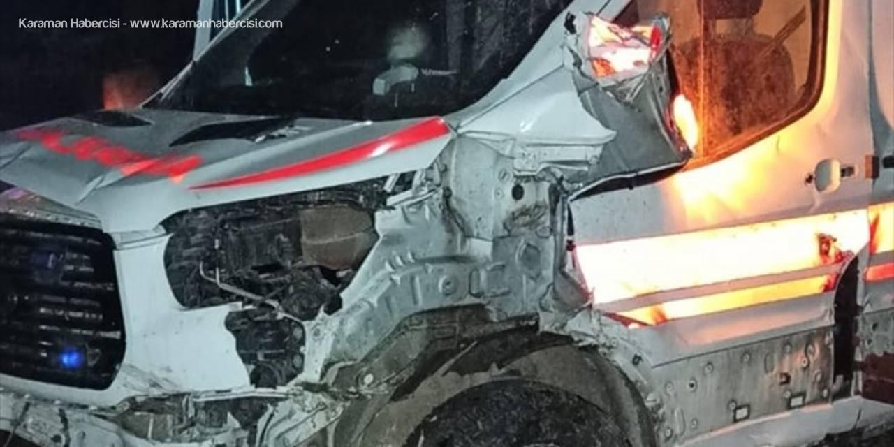Kayseri'de Şarampole Devrilen Ambulanstaki 3 Kişi Yaralandı