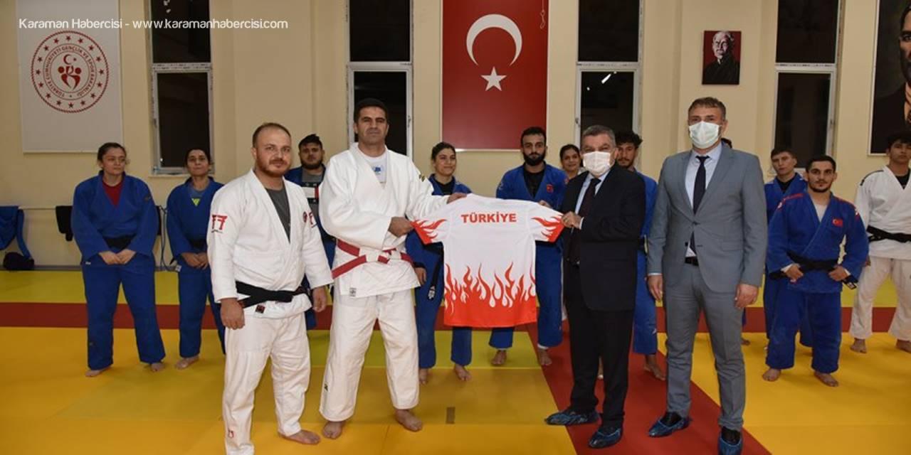 Vali Işık Karamanda Kampa Giren Paralimpik Judo Milli Takımını Ziyaret Etti
