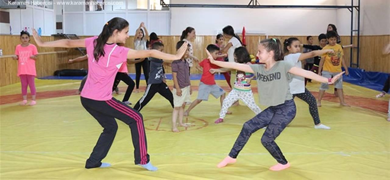 Karaman'da Minik Öğrenciler Wushu Öğreniyor