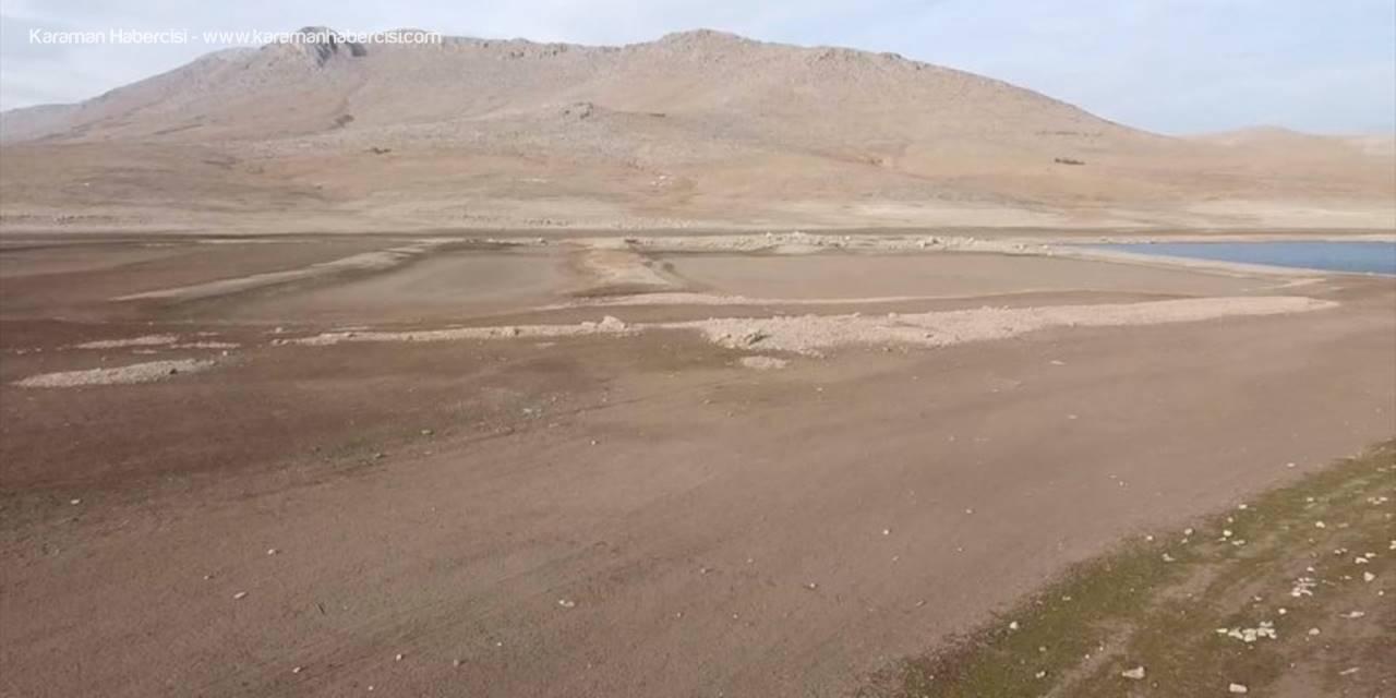 Suları Çekilen May Barajı, Kuraklığın Boyutunu Gözler Önüne Seriyor