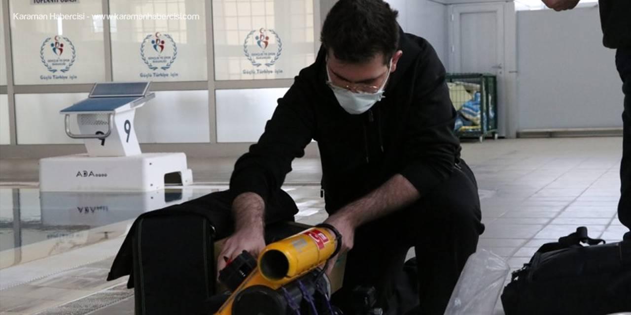 """Üniversite Öğrencisi Niğde Teknopark'ta Mini """"İnsansız Su Altı Aracı"""" Tasarladı"""