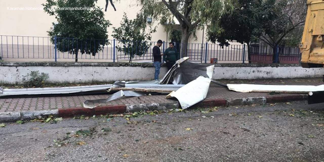 Antalya'da Kuvvetli Rüzgar Ve Gök Gürültülü Sağanak