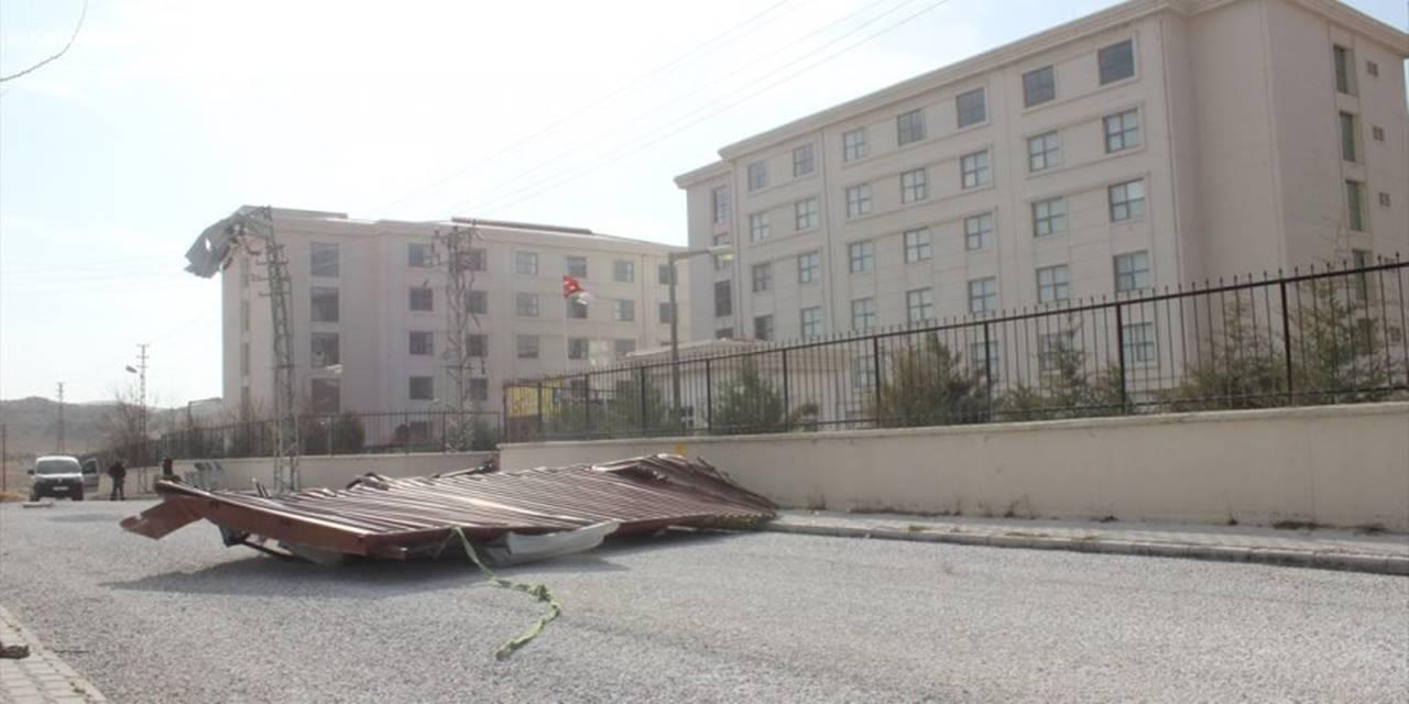 Konya'da Fırtına Ve Sağanak Etkili Oldu