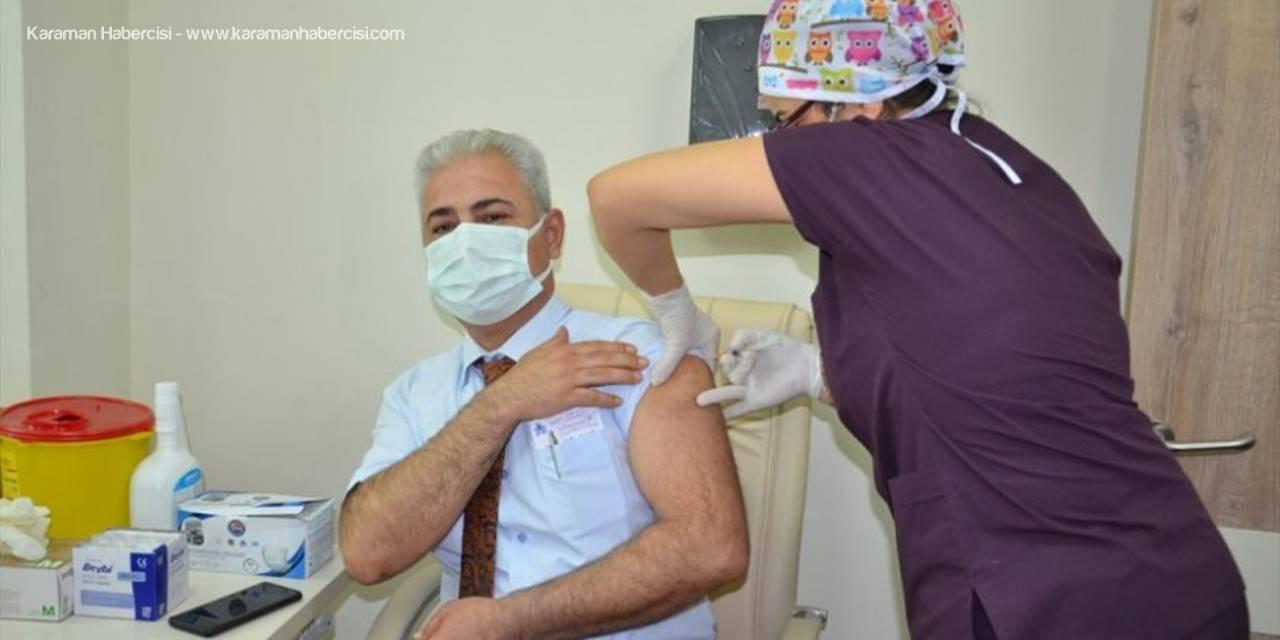 Karaman'da Sağlık Çalışanlarına Coronavac Aşısının İlk Dozu Yapılmaya Başlandı
