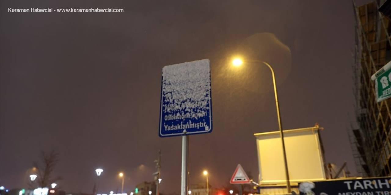 Konya'da Kar Ve Tipi Etkisini Gösterdi