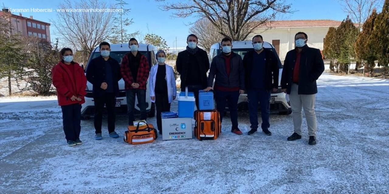 Eskil'de 90 Yaş Ve Üzeri Vatandaşlara Kovid-19 Aşısı Yapılıyor