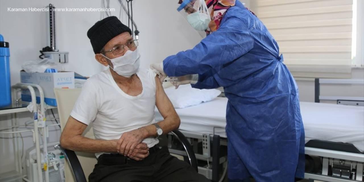 Antalya'da Huzurevlerinde Kovid-19 Aşısı Uygulaması Başladı