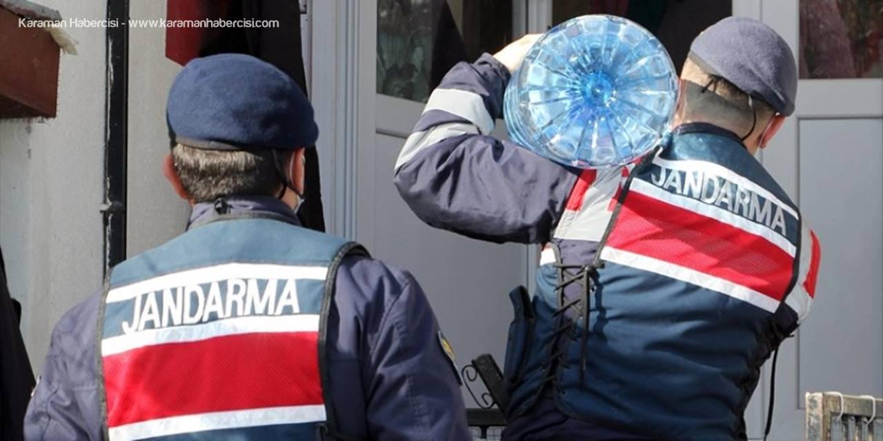 Jandarma Ekiplerinden Yaşlılara Vatandaşlara Hizmet