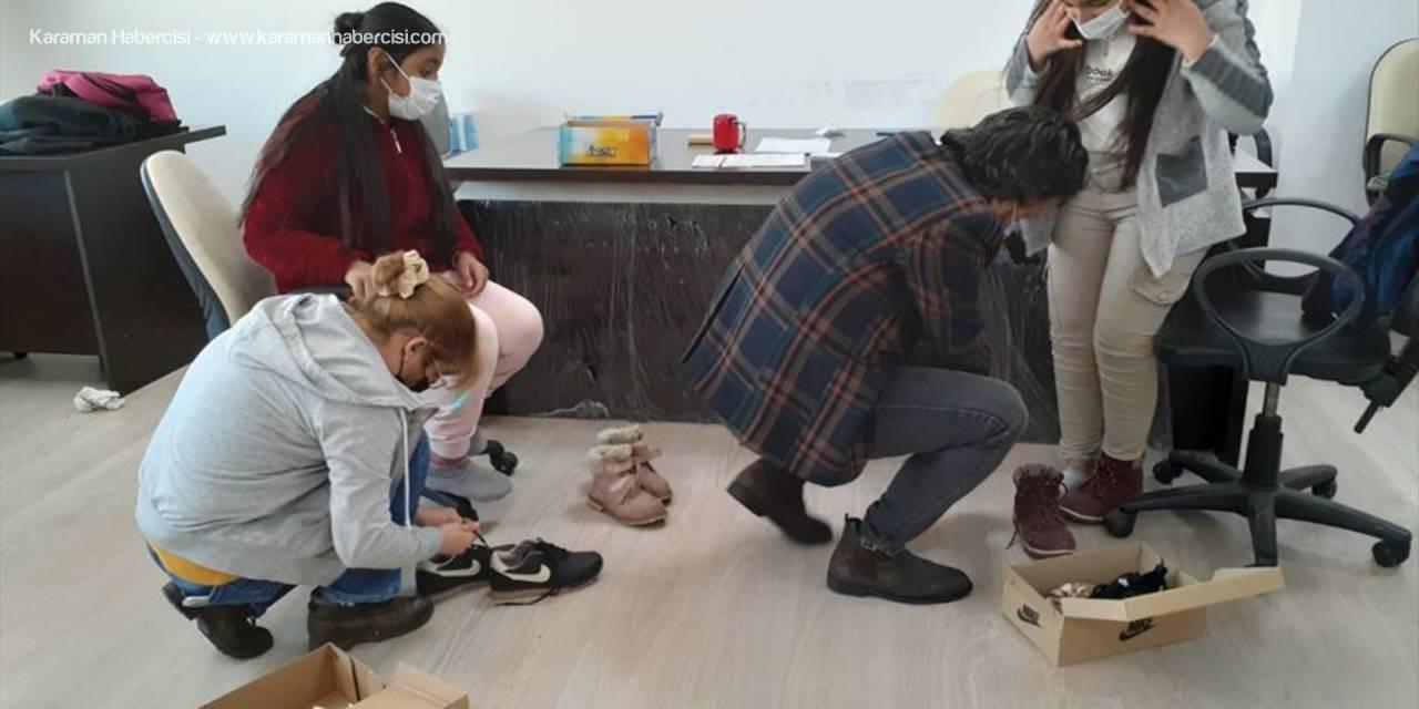 Antalya Sosyal Sorumluluk Gönülleri Platformundan 60 Çocuğa Kışlık Giyim Ve Erzak Yardımı