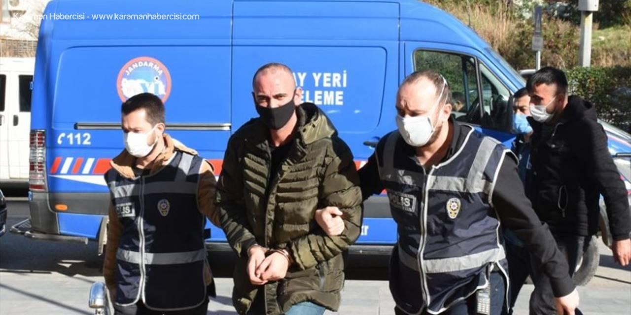 Antalya'da Eşini Bıçakla Yaraladığı İddiasıyla Aranan Koca Yakalandı