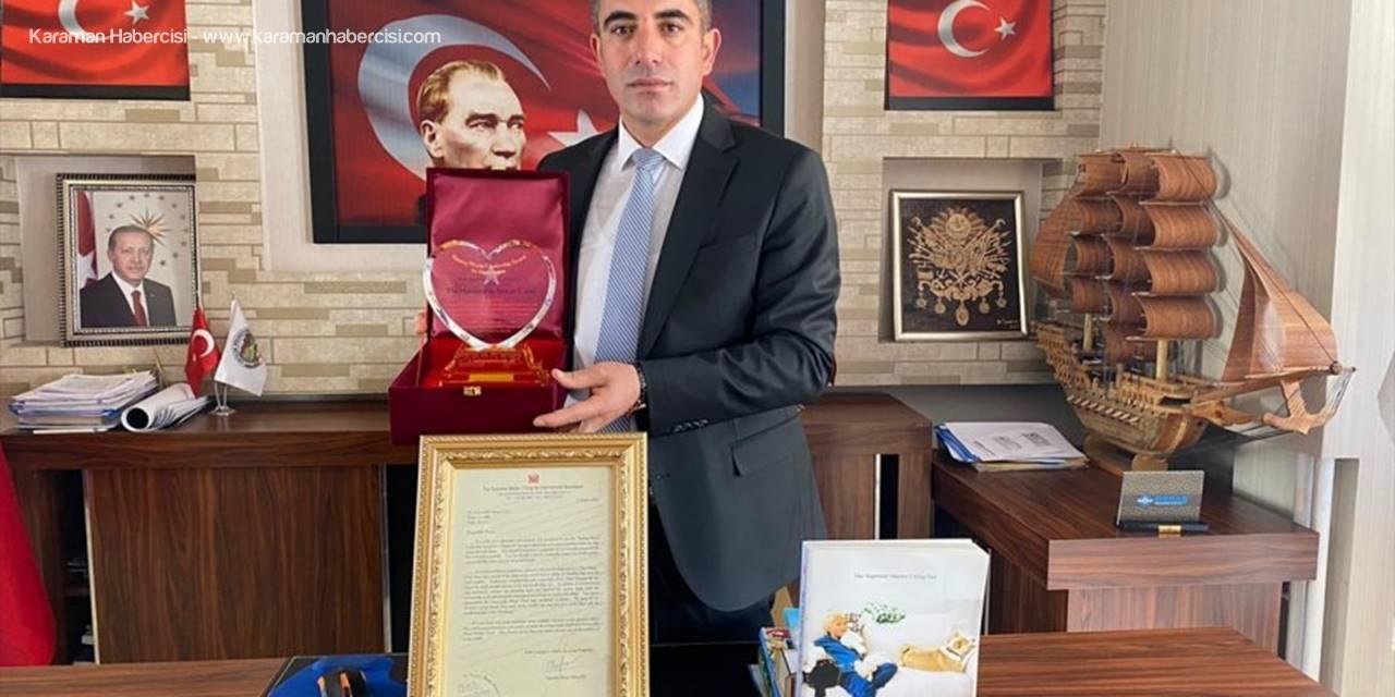 """Çiftlik Belediye Başkanı Güzel'e """"Köpek Köyü"""" Çalışması Nedeniyle Uluslararası Ödül"""