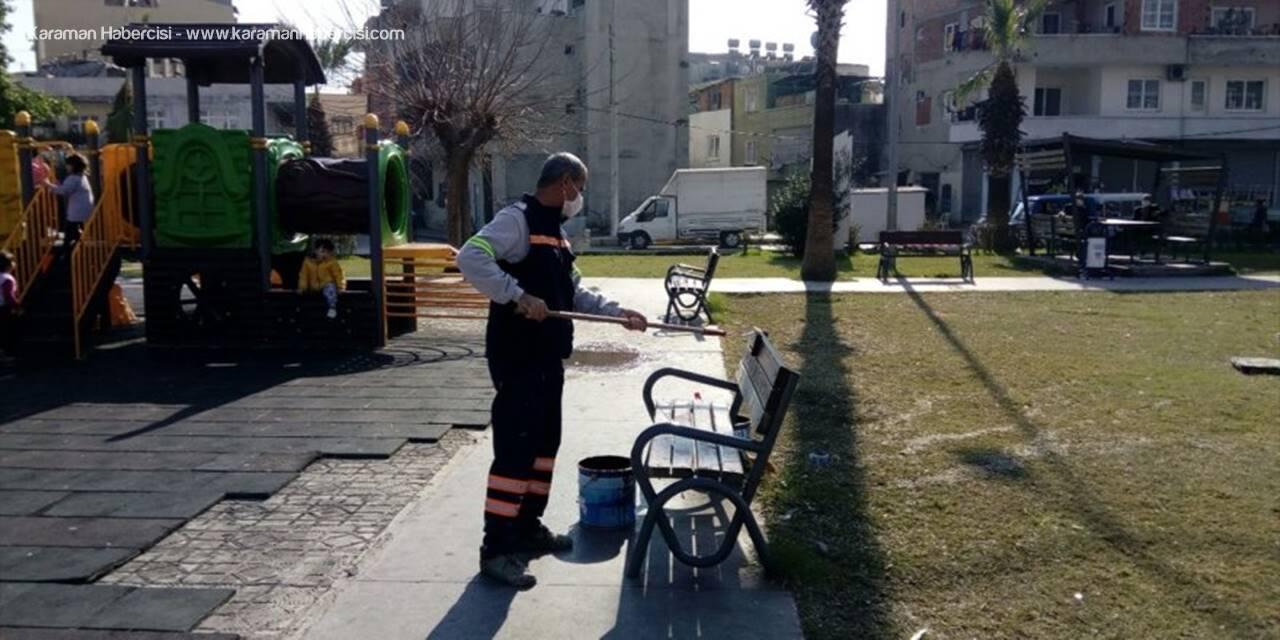 Akdeniz'de Belediye Hizmetleri Sürüyor
