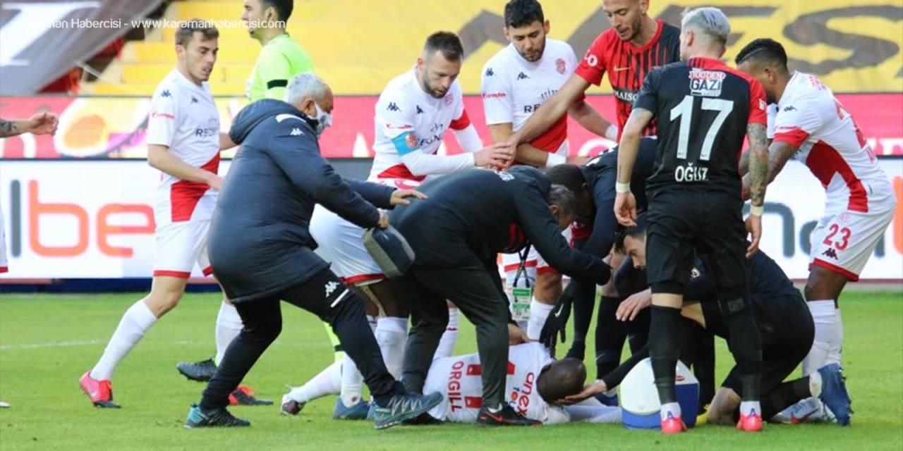 Gaziantep Maçında Sakatlanıp Hastaneye Kaldırılan Antalyasporlu Orgill, Kafileyle Antalya'ya Dönecek