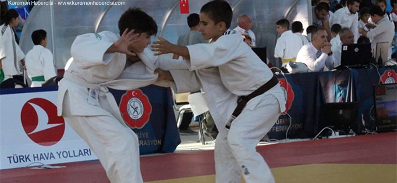 Karaman'da Minikler Türkiye Judo Şampiyonası Heyecanı Başladı